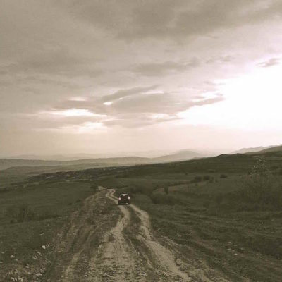 The road back to Kaspi from the Rkoni Monastery